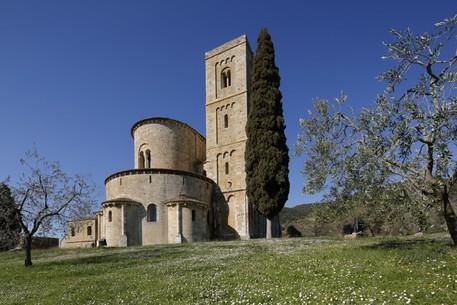 Riapre Al Pubblico L Abbazia Di Sant Antimo Toscana Ansa It