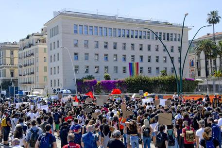 Manifestazione A Napoli Per George Floyd Campania Ansa It