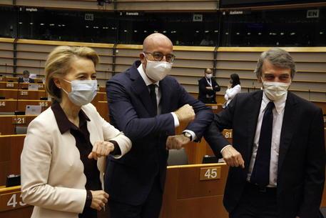 Russia: Ue, sanzioni inaccettabili, valutiamo risposta thumbnail