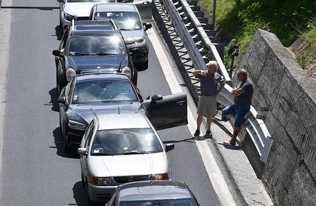 Cantieri autostrade: 14 km di coda tra Chiavari e Genova thumbnail