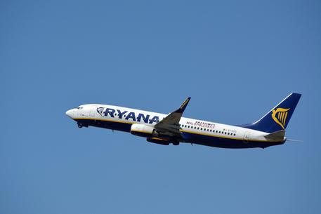 Ryanair:chiude l'anno in rosso di 815 milioni, pesa covid thumbnail