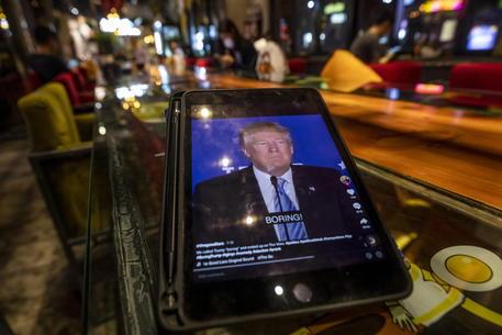 Usa: Trump chiese ad Apple i dati di alcuni democratici thumbnail