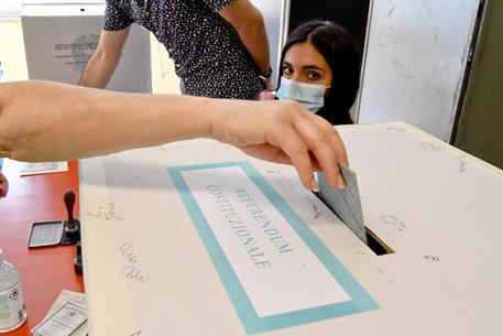 Elezioni: aperti alle 7 i seggi, oltre 46 milioni al voto © ANSA