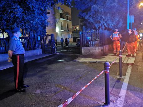 Inquirenti sul luogo dell'omicidio a Lecce (Foto d'archivio) © ANSA