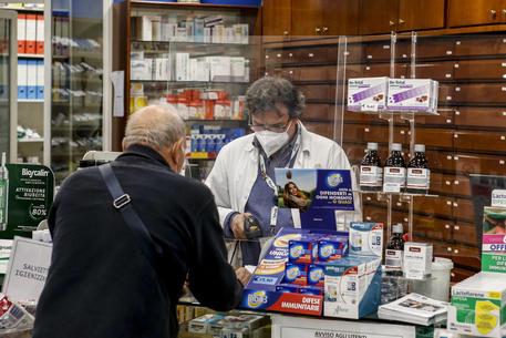 Vaccini: da oggi prenotazioni terza dose anche in farmacie Lazio - Lazio