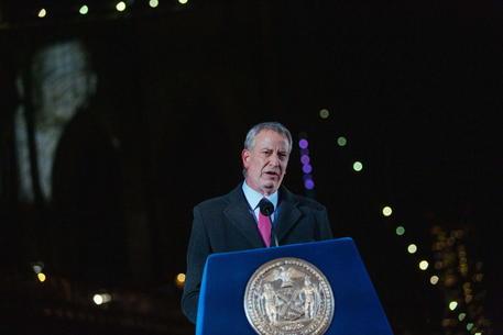 Covid:De Blasio, New York completamente aperta dall'1 luglio thumbnail