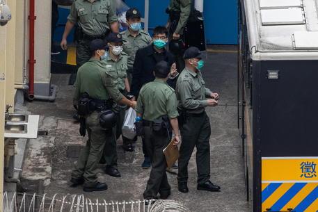Hong Kong: Wong si dichiara colpevole su veglia Tienanmen thumbnail