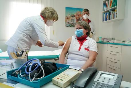 Germania:infermiere,'terapie intensive piene, noi al limite' thumbnail