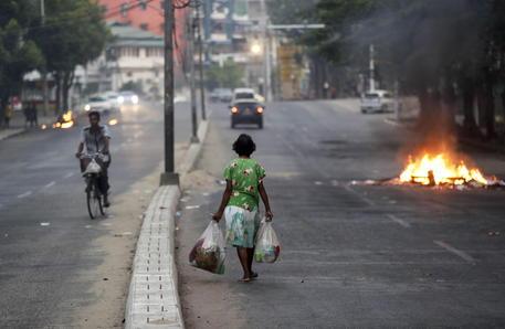 Onu, golpe e Covid in Birmania annullano 16 anni lotta a povertà thumbnail