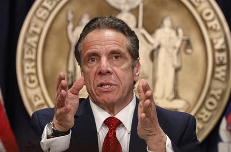 Cuomo firma, l'uso della marijuana è legale a New York