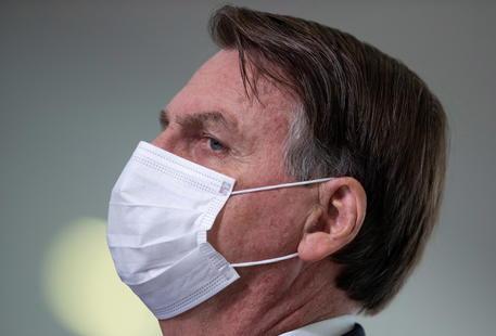 Covid: Brasile, Youtube rimuove video di Bolsonaro thumbnail
