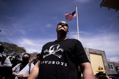 Usa: si scioglie gruppo estrema destra dei Proud boys thumbnail