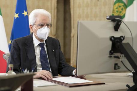 Covid: Mattarella, giornalismo contribuisca a rinascita thumbnail