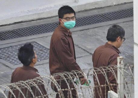 Hong Kong: Joshua Wong, 10 mesi carcere per veglia Tienanmen thumbnail