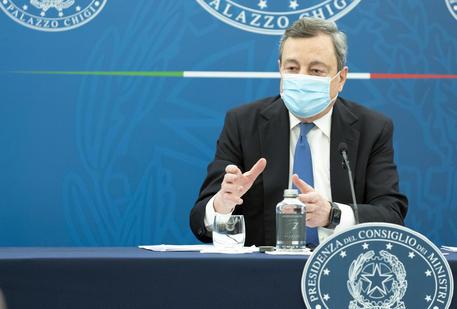 Covid: Draghi, rafforzare approvvigionamento e sanità thumbnail