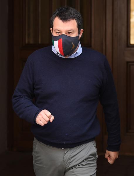 Covid: Salvini, coprifuoco oltre 22? All'aperto si potrebbe thumbnail