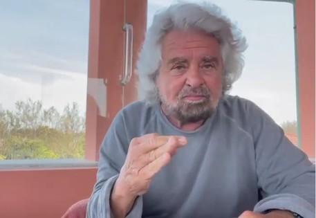 Beppe Grillo, mio figlio non ha fatto niente, arrestate me thumbnail