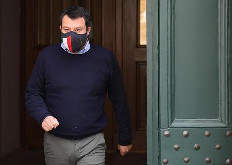 Covid, Salvini: da maggio riaperture anche per i locali al chiuso thumbnail