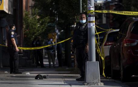 Usa: sparatoria a Long Island, vittima è dipendente negozio thumbnail