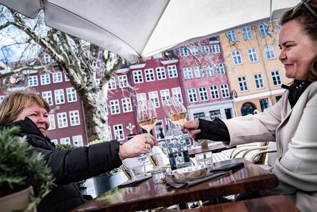 Covid: in Danimarca riaprono musei, bar e ristoranti thumbnail