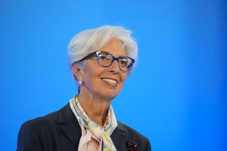 Bce: Lagarde,  'la ripresa accelera ma una stretta ora creerebbe dei rischi' thumbnail