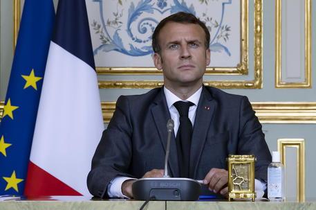 Clima: Macron, serve accelerare, il 2030 è il nuovo 2050 thumbnail