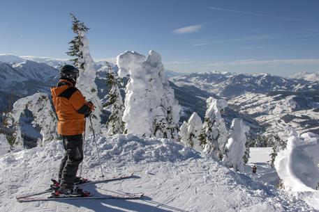 Covid: Austria, -90% per impianti sci nonostante aperture thumbnail