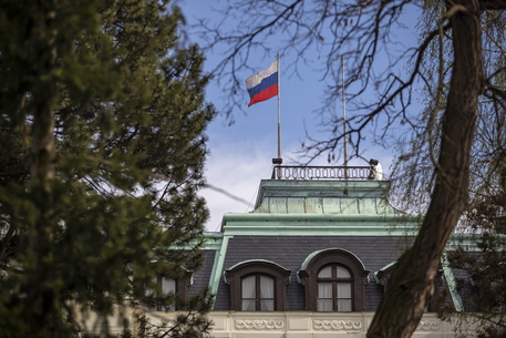 Lituania, Lettonia, Estonia espellono diplomatici russi thumbnail