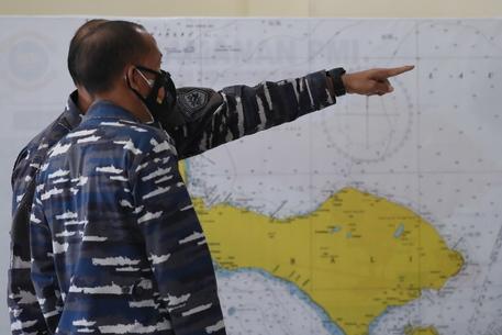 Ritrovati detriti del sommergibile scomparso a Bali thumbnail