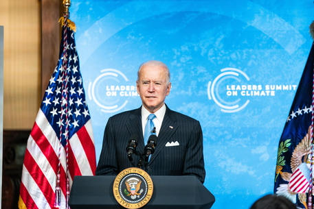 Biden verso i 100 giorni, ma solo il 52% approva il suo operato thumbnail