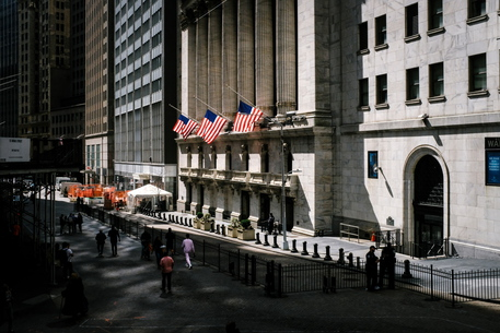 Inchiesta Nyt, il Covid arricchisce i manager di Wall Street thumbnail