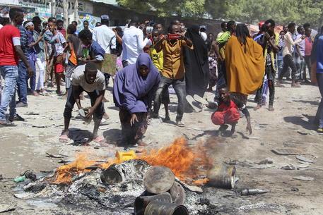 Somalia: spari a Mogadiscio dopo corteo contro Farmajo thumbnail