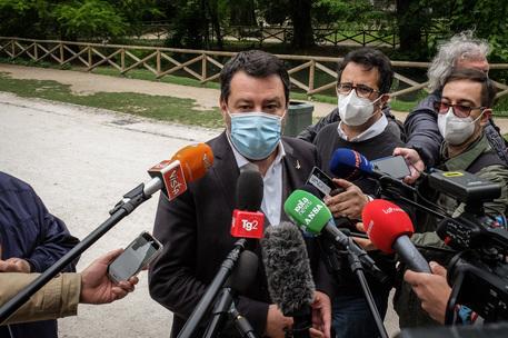 Salvini, odg FdI su coprifuoco lascia tempo che trova thumbnail