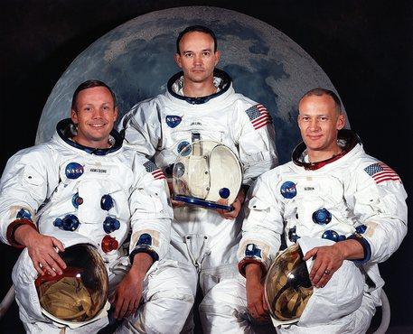 Morto Collins, uno dei tre astronauti dell'Apollo 11 thumbnail
