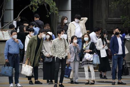 Covid: virus corre in Giappone,record casi giornalieri Osaka thumbnail