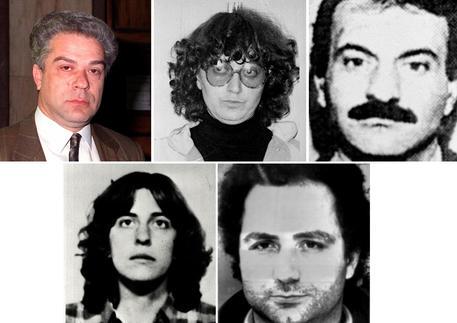 Arrestati a Parigi 7 ex brigatisti, altri tre sono in fuga e ricercati thumbnail