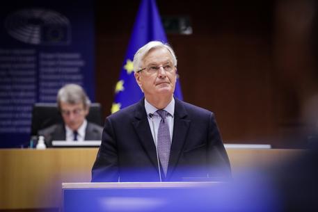 Brexit: Barnier, ora Ue-Gb garantiscano il rispetto impegni thumbnail