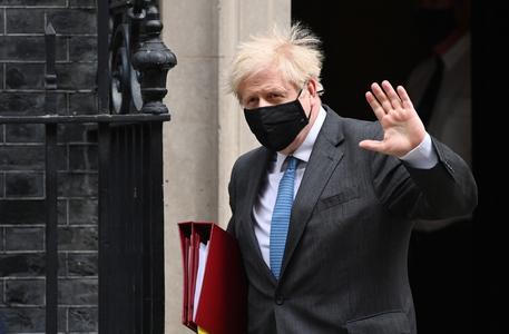 Brexit: Johnson esulta per ratifica, si chiude lungo viaggio thumbnail