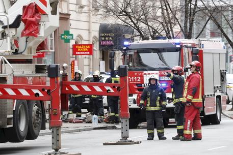 Lettonia: polizia, 8 morti in incendio in ostello 'illegale' thumbnail