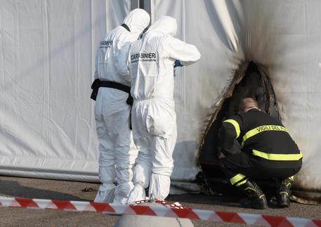Arrestati attentatori hub vaccini Brescia, sono due no vax thumbnail