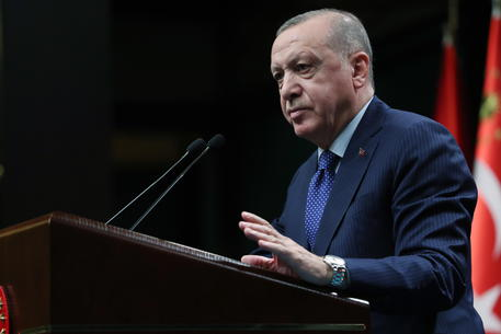 Gaza: Erdogan al Papa, fermiamo il massacro thumbnail