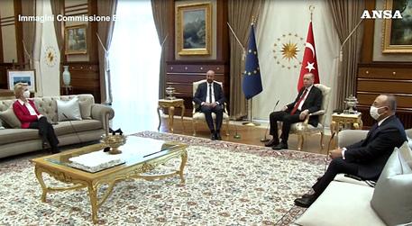 Turchia Von Der Leyen Senza Poltrona Sofagate Per Erdogan Mondo Ansa