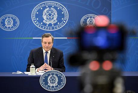 Il premier Mario Draghi in conferenza stampa © ANSA