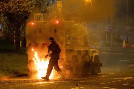 Nuovi scontri a Belfast © AFP