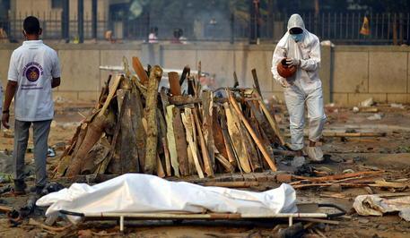 Covid: India, ospedale senza ossigeno, 24 morti in una notte thumbnail