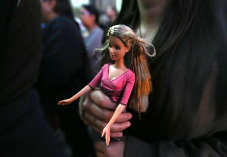 Mattel riciclerà giocattoli usati, anche la Barbie thumbnail