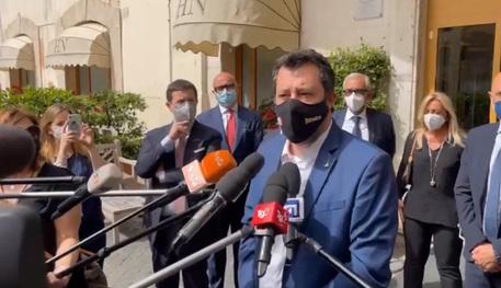 Covid: Salvini, coprifuoco 22 non ha senso, è immorale thumbnail
