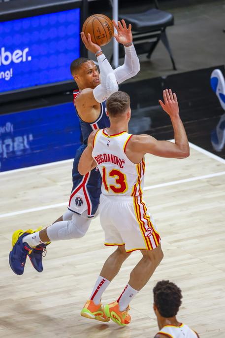 Basket: Nba, Westbrook batte storico record tripla doppia thumbnail