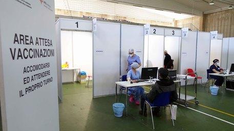 Vaccini: open day senza prenotazione a Iglesias domenica 29 - Sardegna -  ANSA.it