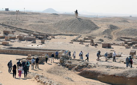 Scoperte in Egitto 250 tombe di 4.200 anni fa thumbnail